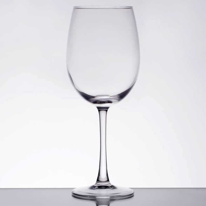 I Am Drinking Another Glass of Wine 18-ounce Wine Glass ABS-WG18OZ-AMC35G Housewarming Gift Birthday Gift