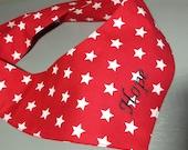 Für Deinen Leitstern - Weiße Sterne auf rot - Hundehalstuch zum Binden