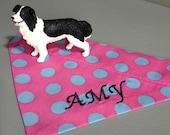Aparter Blickfang - Vintage Punkte Hellblau auf Rosa – Hundehalstuch mit Tunnel