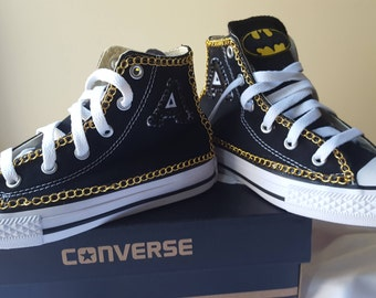582c1ef03189 Customized Batman Converse