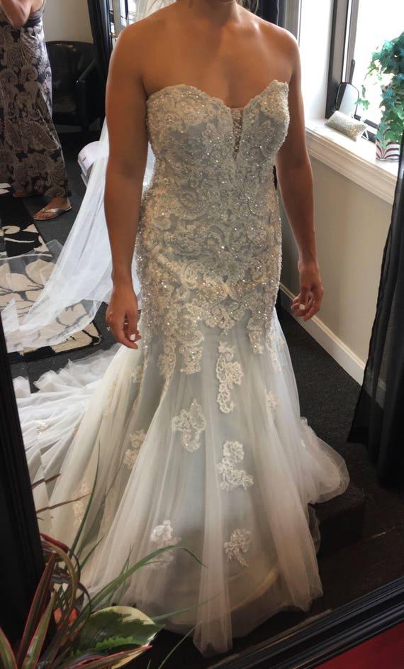 b366595cc87 Wedding Dress (David Tutera)