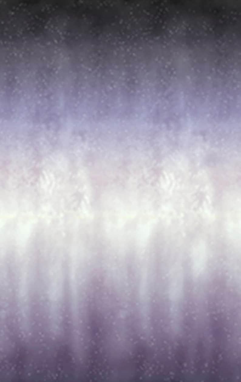 Quilting Hoffman Batik Fabric By The Half Yard Purple-Haze 1//2 Yard