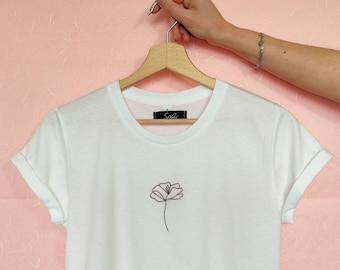 T-shirt donna con papavero stilizzato ricamato a mano, in cotone organico - con fiore ricamato - idea regalo lei
