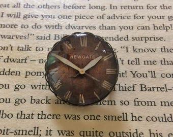 Clock Pin Brooch (2.5cm)