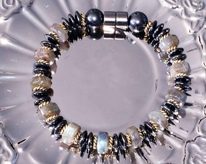 Lovely handcrafted Labradorite bracelet
