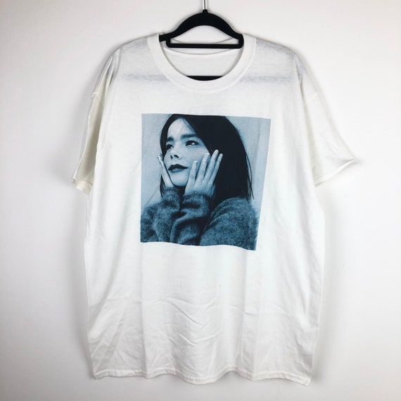 Bjork Photograph Potrait Artwork T-Shirt