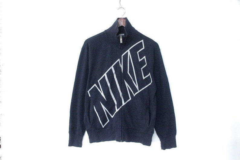 taille 40 a9e47 9aab3 Veste dentrainement NIKE Sweat nike nike bug logo Taille L ...