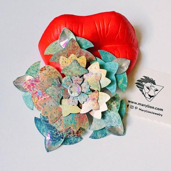 Voluptuous Flowers Brooch - Flower pin - Flower brooch - Floreal pin - Brooch flower - Nature pin - Flower fashion jewelry -Colorful flowers