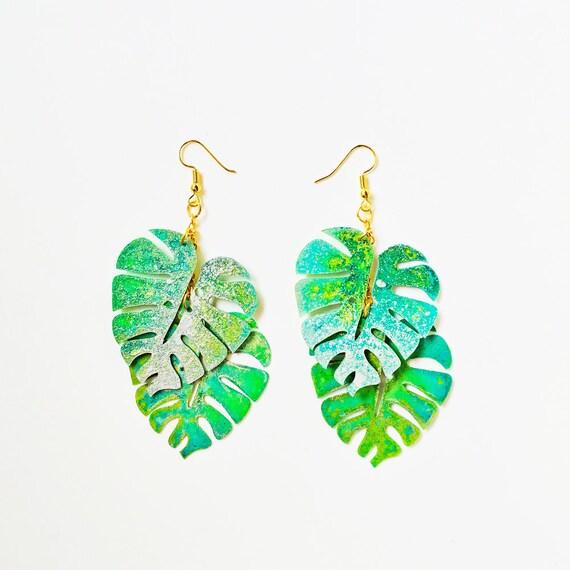 Monstera leaf drops earring - Tropical leaf earrings - Trending jewelry - Rockabilly Monstera Jewelry - Novelty earring - Cool earrings