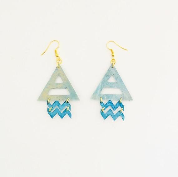 Aquarius - Zodiac geometric earrings - Air symbol earrings - Aquarius astrological earrings - Triangle astrology earring - Gift for her