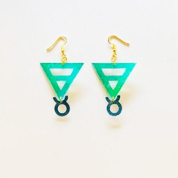 Taurus - Zodiac geometric earrings - Earth symbol earrings - Taurus astrological earrings - Astrology earring - Triangle earrings - Gift her