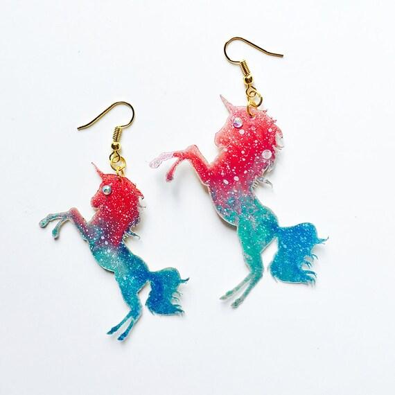 Lucky unicorn earrings - Unicorn drops earrings - Trending rainbow jewelry - Unicorn jewelry - Rockabilly Jewelry - Novelty animal earrings