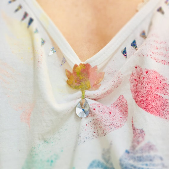 Flower in a drop pin - Flower brooch - Flowers double pin - Brooch flower - Nature pin - Flower fashion jewelry - Flowers colorful pin