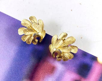 Vintage 70s Trifari Gold Feathers Statement Earrings