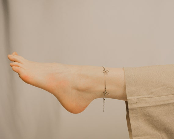 Dainty Bowtie Silver Charm Anklet, Vintage Jewelry