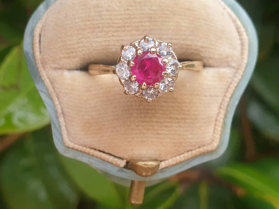 Vintage Ruby Paste 9ct Gold Ring Vintage Gold Ring Gift for Her Red Gemstone Ring