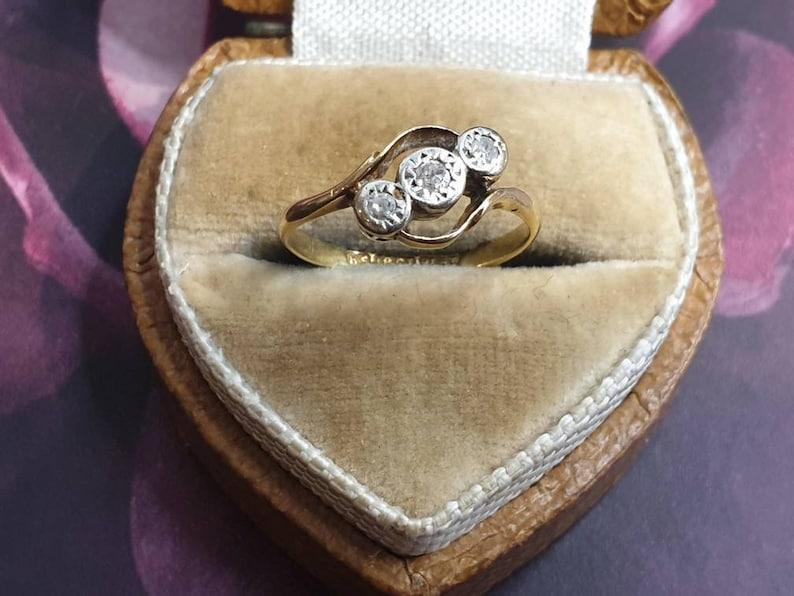 Art Deco Three Stone Diamond Bypass Ring 18ct Yellow Gold and Platinum size J 12 or U.S 5