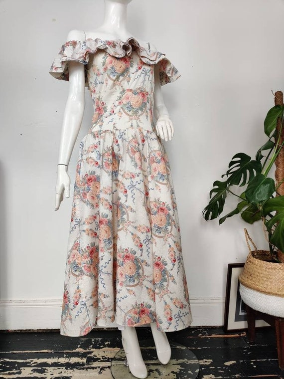 simple garden party Vintage Oberon 80s Novelty Dress floral flowing