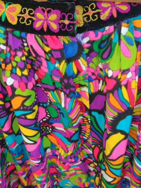 Vintage psychadelic hippy skirt // embroidered but