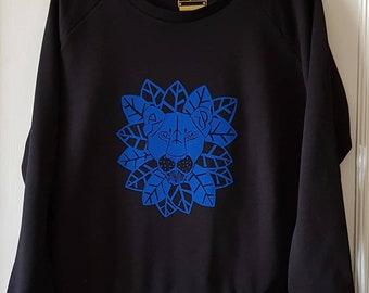 Lioness print sweatshirt, women's loose cut sweatshirt.