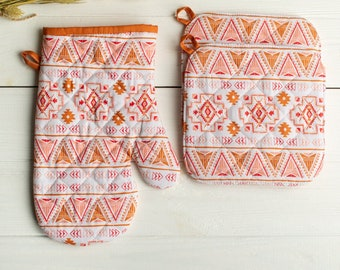 Aztec pot holder and oven mitt Quilted hot pads brown oven mittens Gift for mom Housewarming gift Rose pot holder Cooking mitt Kitchen decor