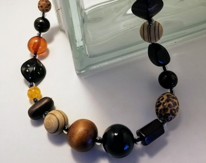 Jewelry, Necklace, Beaded Jewelry, One of a kind Jewelry, Custom Jewelry, Beaded Necklace, Wood Beads, Glass Beads, Plastic Beads, Treys Art