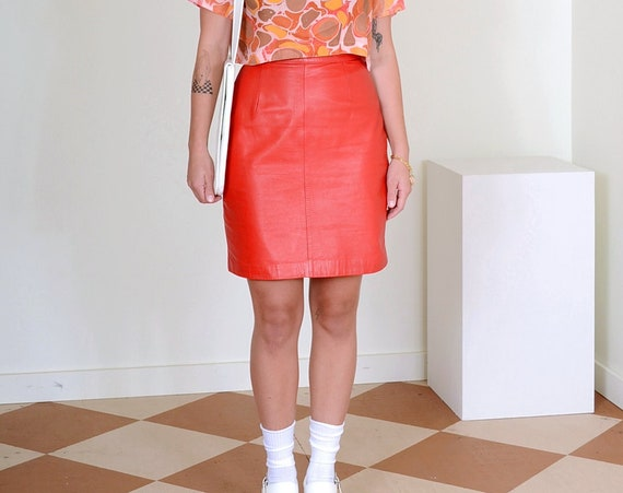 """80s Red Leather Pencil Skirt / 27"""" waist"""