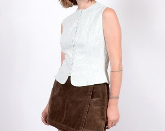 Embroidered Sleeveless Button Top / small - medium