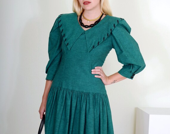 80's Puff Shoulder Dress with Oversized Collar / Small