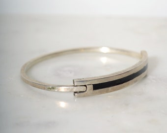 Vintage Silver Bangle Bracelet / Silver with Black Enamel / Minimalist Jewelry made in Mexico