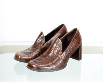 1990s Brown Leather Heeled Loafers / by Franco Sarto / size 7
