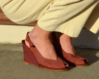 70s Suede Wedge Slingback Sandals / size 7.5