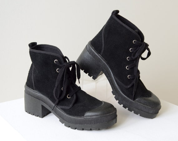 90s Suede Platform Sneakers / size 6