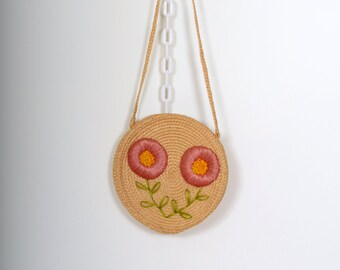 Circular Braided Straw Purse