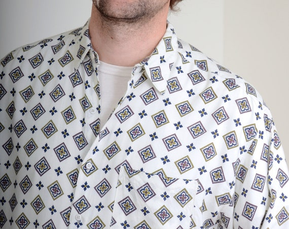 80s Diamond Pattern Button Up / Mens Vintage Casual Button Down / fits Medium - Large
