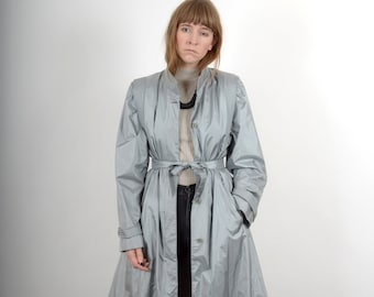 1980s Silver Raincoat / by Stormy Weather / medium - large