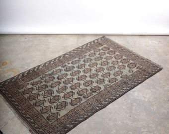 """Neutral Tone Hand Knotted Afghani Accent Rug / 100% Wool / 3'1"""" x 5'3"""""""