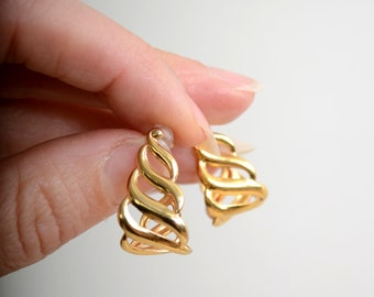 Gold Lattice Hoops