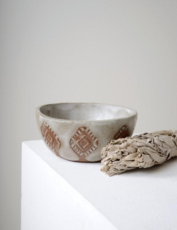 Diamond Pattern Ceramic Bowl