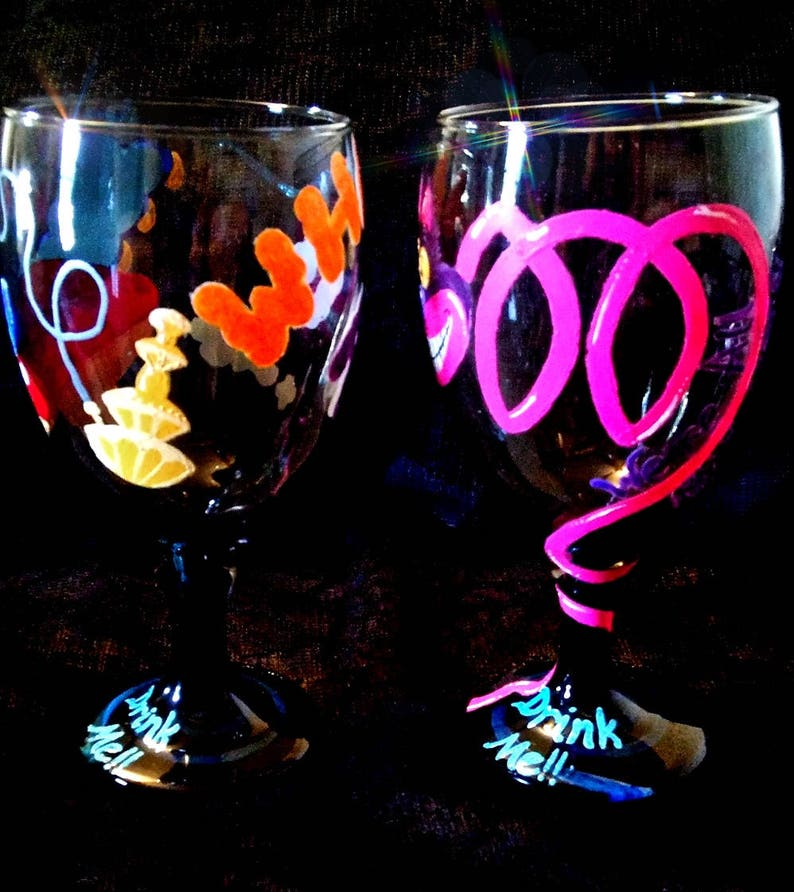 Cheshire Cat Wine Glass Alice in Wonderland Tim Burton Goth Gift