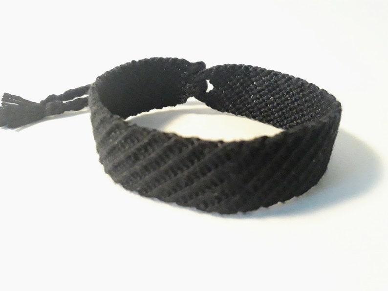 Friendship Bracelet 16 DMC threads model: avadakadavra