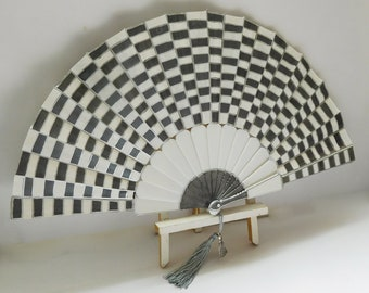 Hand Painted Fan Gift Party Anniversary Wedding Bridal Fashion Costume Dance Party Accessory Favors Wall Art Hand Fan Unique Fire Starter