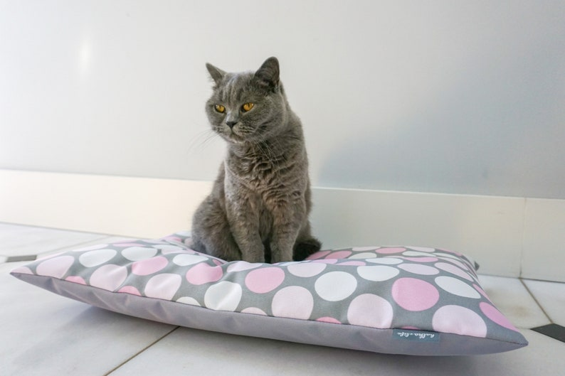 Dog or cat waterproof pillow pet bed dog bed cat bed cat image 0