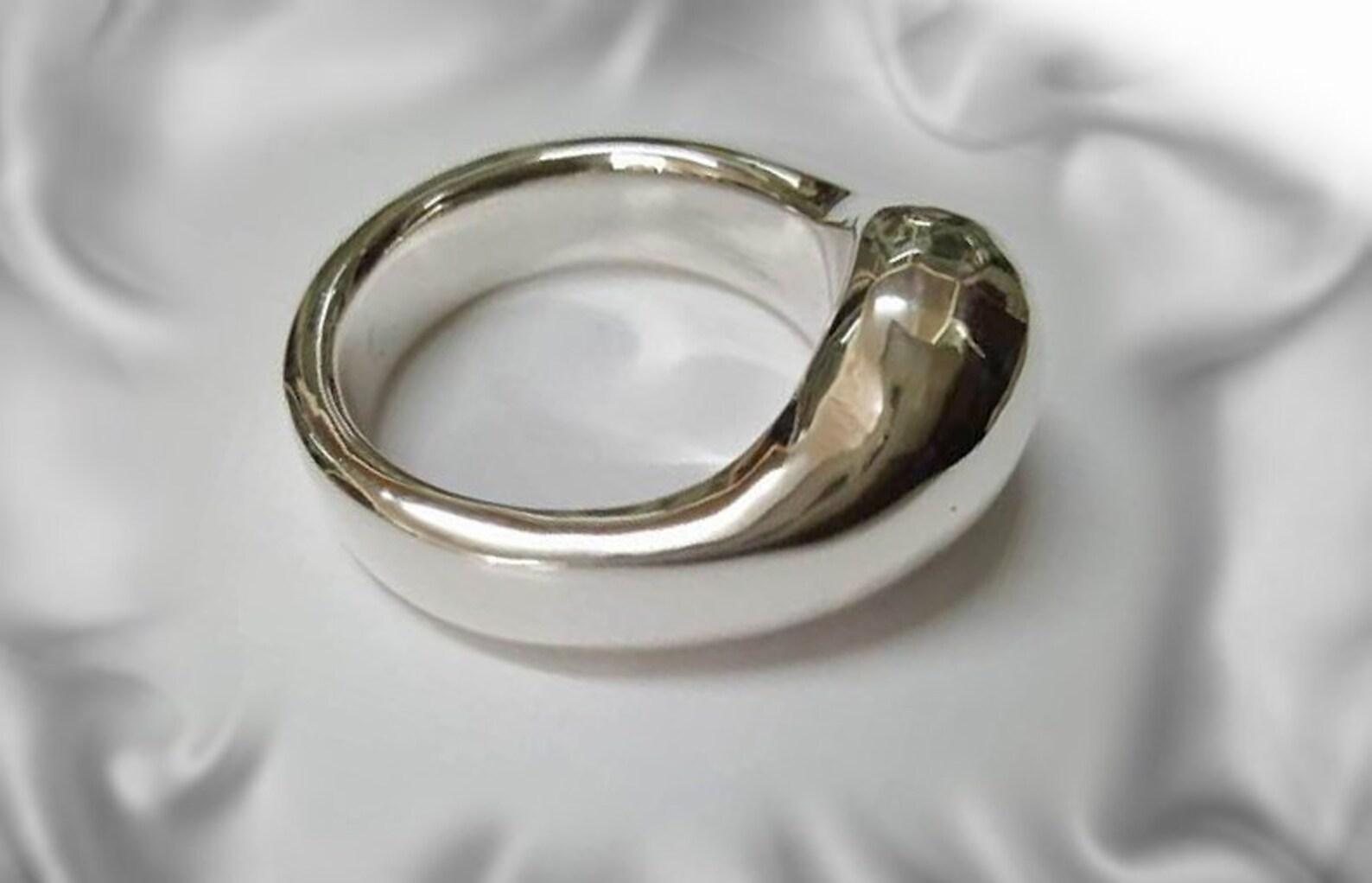 Erotic Erecting Penis Necklace
