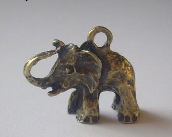 Large 3D elephant Pendant (bronze) 30 x 26 x 10 mm-