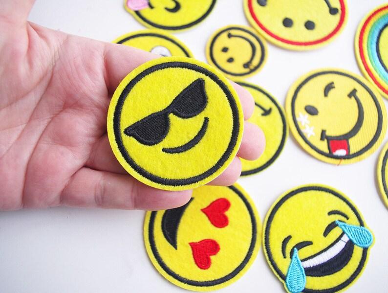 0300f7f8c1316 Applique emoji à lunette patch émoticône écusson smiley