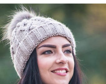 Beige hat with pompon Beige hat Women's hat Winter hat Warm hat Wool cap Knitted hat Winter accessories Made to order New Style Fashion