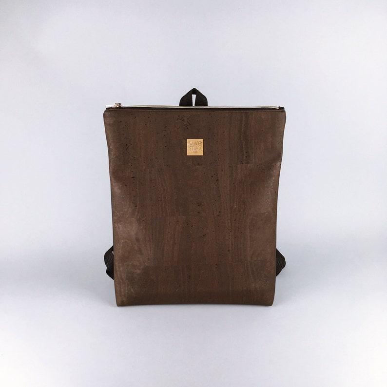 Narrow cork backpack in brown