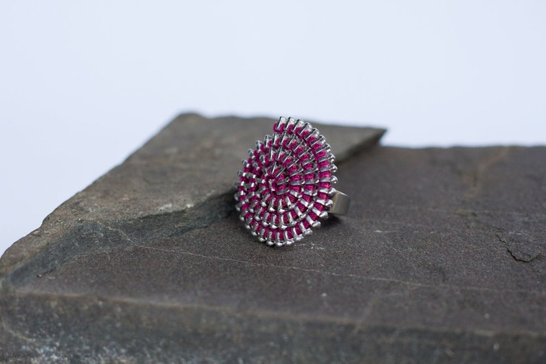 ring spiral pink Fuchsia /& silver Ziiip Design recycling recovery Made with zipper back