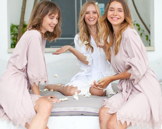 Bridesmaid Robes // Robe // Bridal Robe // Bride Robe // Bridal Party Robes // Bridesmaid Gifts // Satin Robe // Lace Bridal Robe